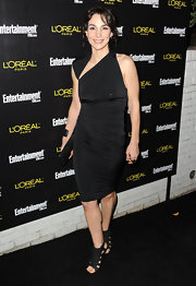 "Annie Parisse sizzled at the ""Entertainment Weekly"" SAG Awards party in black strappy gladiator heels."