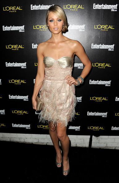 Laura shimmered at the pre-SAG Awards party in a feathered pink mini dress.