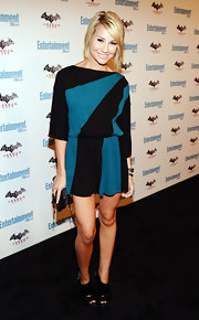 Chelsea Kane gave her black-and-turquoise colorblock dress an edge at Comic-Con with a pair of black leather peep-toe booties.