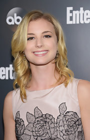Emily VanCamp styled in her hair in casually tousled blond waves for the Upfront VIP party.