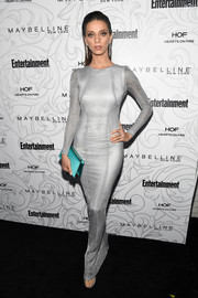 Angela Sarafyan's turquoise satin clutch and silver gown were a flawless pairing!
