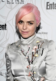 Taryn Manning sported a loose side-parted bun (in bubblegum pink!) at the Entertainment Weekly SAG nominees celebration.