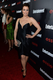 Bellamy Young was sexy-glam in a cleavage-baring one-shoulder LBD during the Entertainment Weekly SAG nominees celebration.
