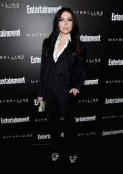 Laura Prepon was androgynous-chic in a black three-piece suit during the Entertainment Weekly celebration honoring the SAG nominees.