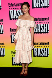 Phoebe Tonkin was a sweet sight to behold at the Entertainment Weekly Comic-Con party in a pale-pink Huishan Zhang off-the-shoulder dress rendered in tiered ruffles.
