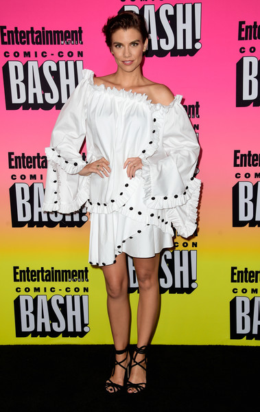 Lauren Cohan was hard to miss in her mega-ruffled off-the-shoulder LWD at the Entertainment Weekly Comic-Con party.