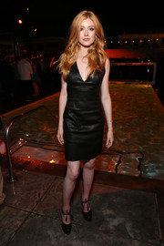 Katherine McNamara donned a deep-V leather LBD by Alice + Olivia for the Entertainment Weekly Comic-Con party.