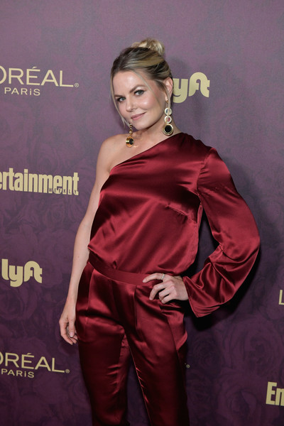 More Pics of Jennifer Morrison Evening Sandals (1 of 3) - Heels Lookbook - StyleBistro [red,clothing,hairstyle,carpet,satin,premiere,fashion model,flooring,red carpet,dress,arrivals,jennifer morrison,los angeles,california,sunset tower,entertainment weekly,loreal paris hosts,party,loreal paris,pre-emmy party]