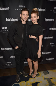Kate Mara completed her look with a pair of studded slingback pumps.