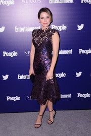 Sophia Bush was a stunner at the Entertainment Weekly and People celebration of the New York Upfronts in a purple Monique Lhuillier lace cocktail dress that fit her figure flawlessly.