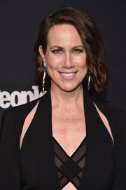 Miriam Shor framed her face with a short wavy hairstyle for the Entertainment Weekly and People Upfronts.