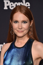 Darby Stanchfield opted for a straight, center-parted style when she attended the Entertainment Weekly and People Upfronts.