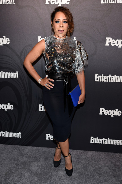 Selenis Leyva teamed her top with a sexy black pencil skirt.
