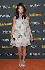 Jillian Rose Reed finished off her sweet red carpet look with a pair of white peep-toes.