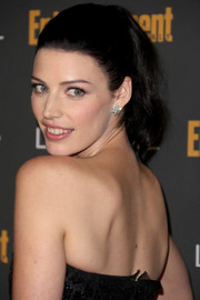 Jessica Pare pulled her hair back in a simple yet charming ponytail for the Entertainment Weekly pre-Emmy party.