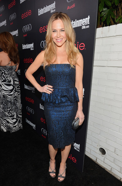 More Pics of Julie Benz Hard Case Clutch (4 of 4) - Clutches Lookbook - StyleBistro