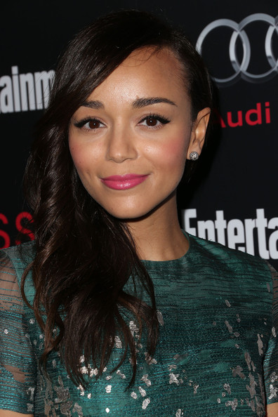 Ashley Madekwe added extra sweetness with a pink lip.