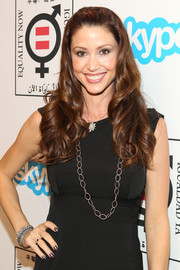 Shannon Elizabeth looked very feminine with her half-up curly 'do at the Make Equality Reality event.