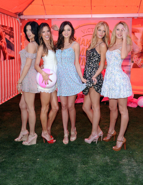 """Victoria's Secret Launches Their 6th Annual """"What Is Sexy? List: Bombshell Summer Edition"""""""