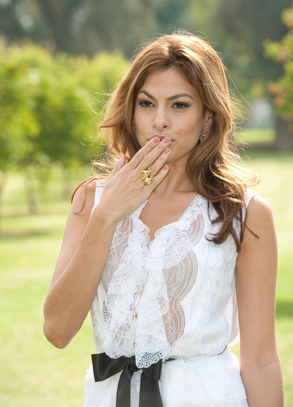 Eva Mendes Neutral Nail Polish