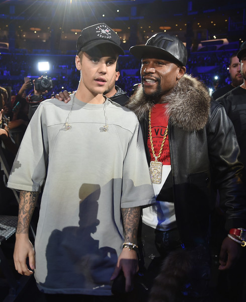 Justin Bieber topped off his outfit with a black Freedom Artists cap.