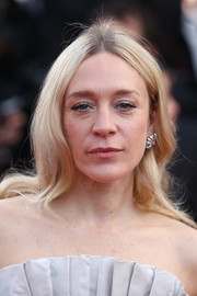 Chloe Sevigny wore simple center-parted waves at the 2018 Cannes Film Festival opening gala.