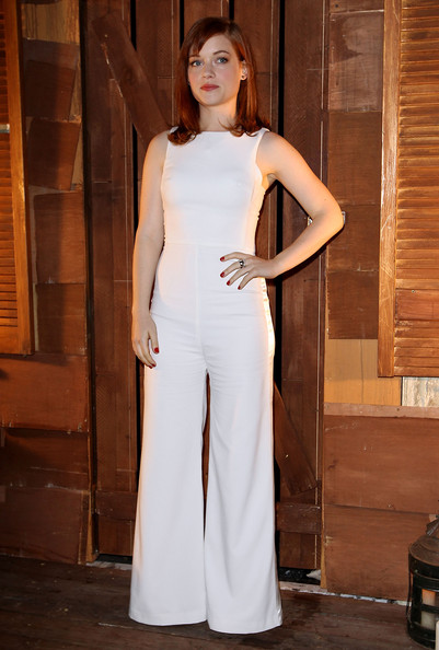 Jane Levy looked sleek and sophisticated in a sleeveless white jumpsuit with flare legs.