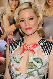 Elizabeth Banks added a touch of cherry red to finish off her ultra-glamorous looks at the 'What To Expect When You're Expecting' screening.