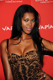 Model Jessica White was fierce on the red carpet for 'The Extra Man' premiere. She wore an animal print mini dress that she finished off with a smoky eye look.