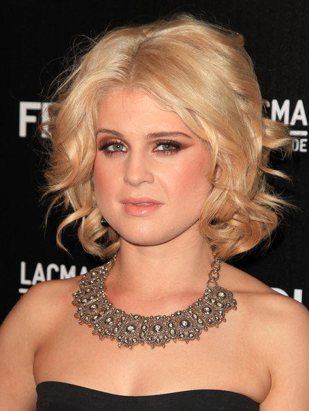 More Pics of Kelly Osbourne Medium Curls (1 of 13) - Kelly Osbourne Lookbook - StyleBistro
