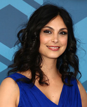 Morena Baccarin sweetened up her look with spiral curls for the Fox 2016 Upfront.