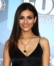 Victoria Justice flaunted a chic pin-straight 'do at the Fox 2016 Upfront.