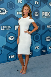 Olivia Jordan flaunted her slim physique in a form-fitting LWD with shoulder cutouts during the Fox 2016 Upfront.