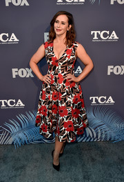 Jennifer Love Hewitt donned a low-cut floral dress by Kate Spade for the Fox Summer TCA 2018 All-Star Party.