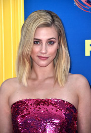 Lili Reinhart sported a classic lob at the 2018 Teen Choice Awards.