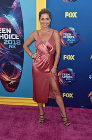 Candace Cameron Bure looked ageless in a pink Jill Stuart wrap dress with a thigh-high slit at the 2018 Teen Choice Awards.