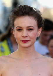 Carey Mulligan sported an effortlessly glam loose bun at the world premiere of 'Far from the Madding Crowd.'