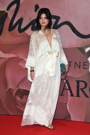 Pixie Geldof looked effortlessly stylish in a kimono-inspired maxi dress at the Fashion Awards 2016.