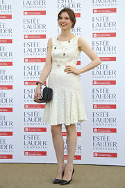 Sophie Ellis-Bextor looked lovely in a sleeveless cream frock.