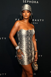 Rihanna showed off a stunning diamond bracelet at the Fenty Beauty anniversary event.