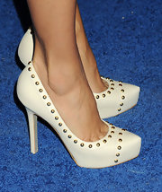 Eva Longorai chose these nude pumps with gold studs for her look at the launch of L'Icona Highlights in NYC.