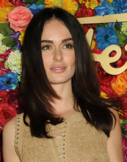 Nicole Trunfio kept her look natural and simple with a layered cut.