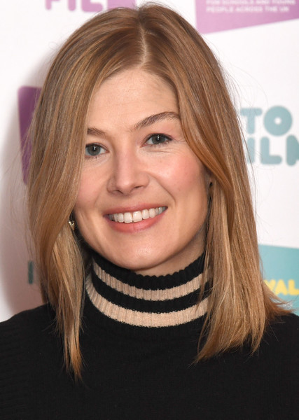Rosamund Pike kept it simple yet chic with this straight hairstyle at the Into Film Festival launch.