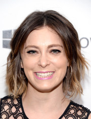 Rachel Bloom rocked edgy short waves at the Girls to the Front event.