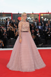 Olivia Hamilton looked like a princess in her dusty-pink J. Mendel ball gown at the 2018 Venice Film Festival opening ceremony.
