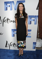At the screening of 'Five' in NYC, Demi opted for a mosaic print dress. The classic silhouette perfectly complemented Demi's svelte figure.