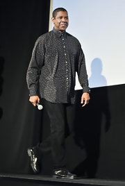 Denzel Washington chose a conservative button down with a modern dotted print for the 'Flight' Japan premiere.