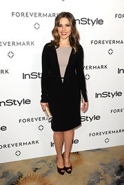 Sophia Bush topped off her demure red-carpet ensemble with platform peep-toe pumps.