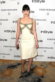 Mary Elizabeth Winstead added pep to her step with metallic pumps.