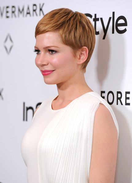More Pics of Michelle Williams Pink Lipstick (3 of 19) - Michelle Williams Lookbook - StyleBistro